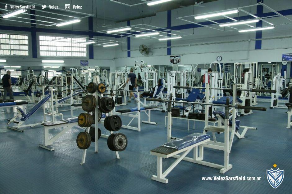 C a v lez sarsfield ven al gimnasio todo el a o for Gimnasio femenino